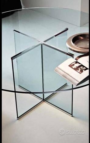 Tavolo di Cristallo e sedie
