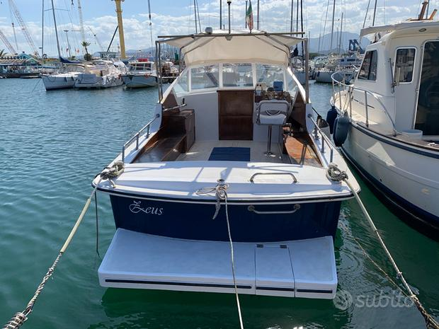 Barca Altura in vetroresina due motori Aifo disel