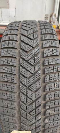 Pneumatici invernali Pirelli 255 45 19