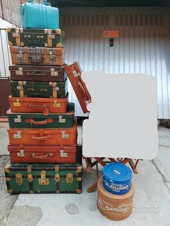 Valigie vintage di vari modelli e dimensioni