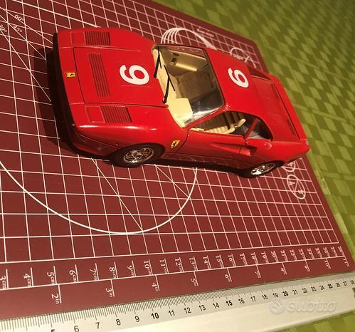 BURAGO - Ferrari GTO (1984) - Scala 1:24