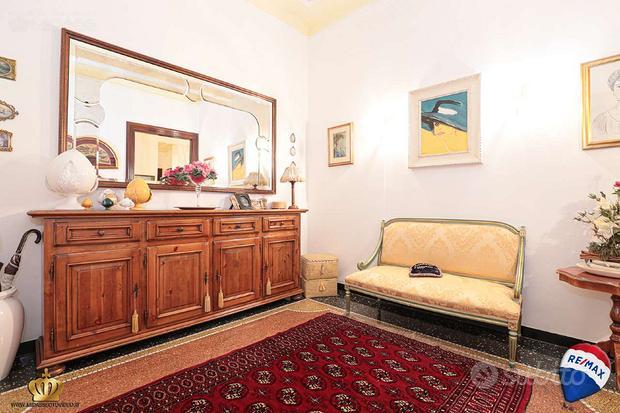 Appartamento a Genova, via Molteni 4, 3 locali