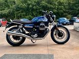 Moto Guzzi V7 IV Special Blu