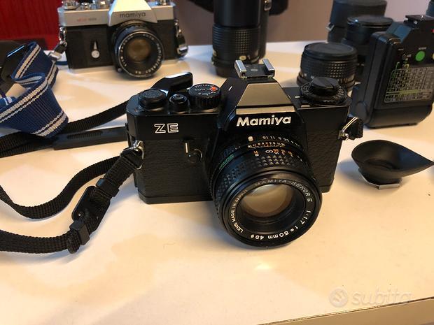 Macchine fotografiche e obbiettivi Mamiya vintage