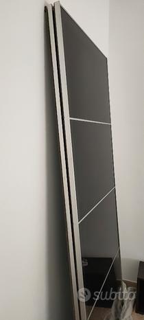 Coppia di ante scorrevoli vetro nero Ikea
