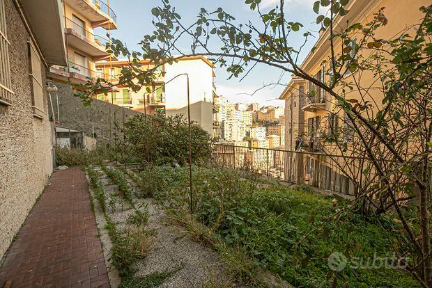 Appartamento a Genova, via Bari  19, 3 locali