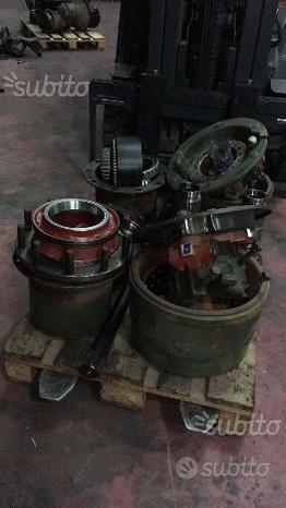 IVECO 330 Mozzo + riduttore ruota tamburo ganasce