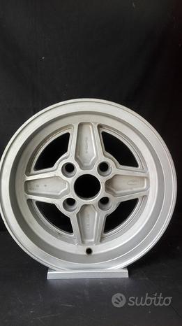 1 cerchio Ford Capri 6x13 originale