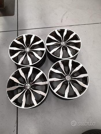 4 cerchi usati 17 pollici VW Golf 5 6 7 Audi A3