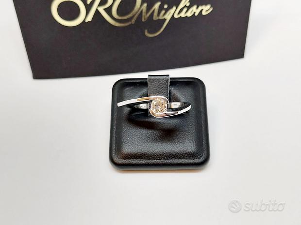 Anello Solitario con Diamante 0,33ct in Oro 18kt