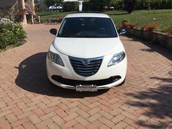 Lancia ypsylon 1.2 b/gpl ok neopat. - 11/2013