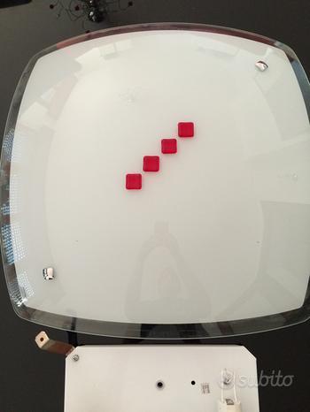 Plafoniera in vetro bianca e rossa