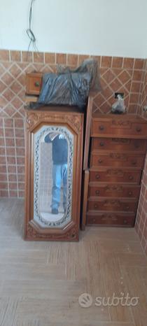Camera da letto completa in legno massello