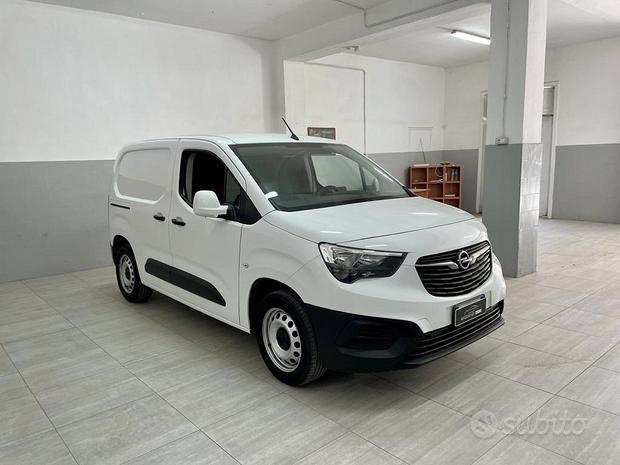Opel new combo 2019 1.5d 130 cv 3 posti a sedere