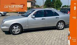 Mercedes-Benz Classe E Mercedes-Benz E 200 Ko...