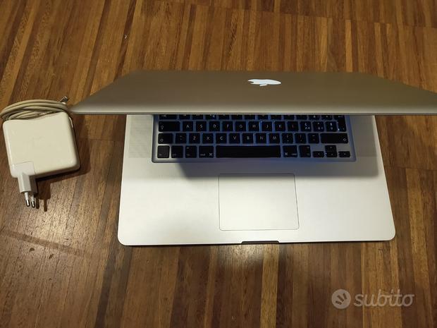 Macbook Pro A1286 2011 15.4