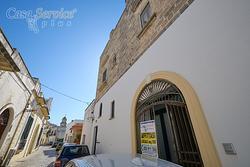 Locale commerciale nel centro storico di Taviano