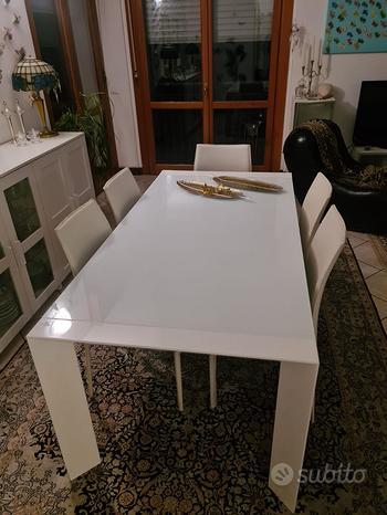 Tavolo vetro e alluminio bianco
