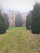 Villa d'epoca con ampio giardino