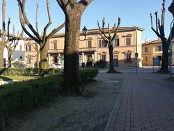 Borgo san lorenzo fondo commerciale mq 250 vetrine