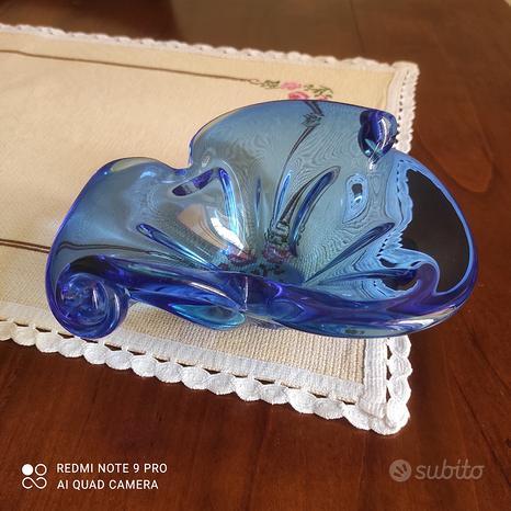 Vaso blu in vetro