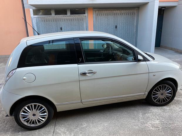 Lancia Y 1200