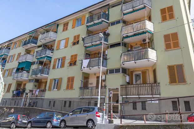 Appartamento a Genova, 5 locali