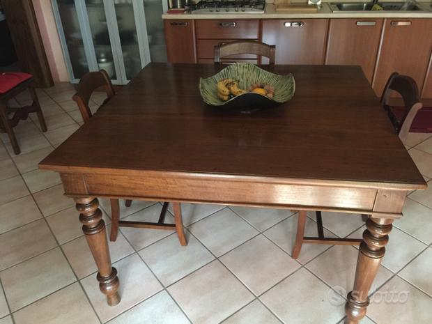 Antico tavolo