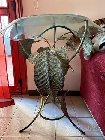 Tavolino Decorato in Vetro e Ferro Battuto