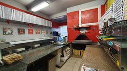 Pizzeria a Genova, via San Quirico 213R, 2 locali