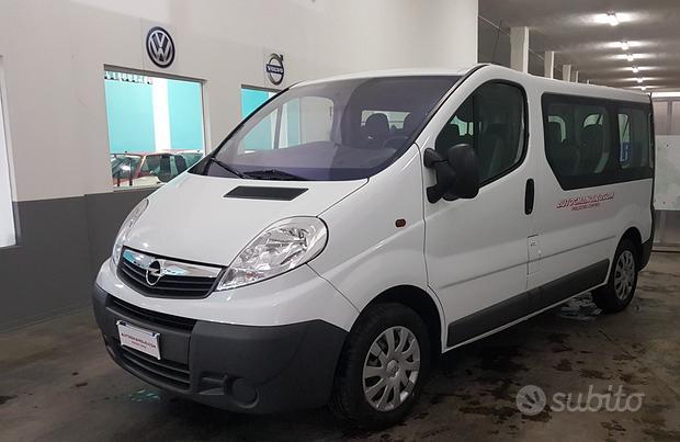 Opel Vivaro 9 posti 90 cv 6 marce