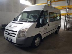 Auto/ Ford 9 posti TETTO ALTO