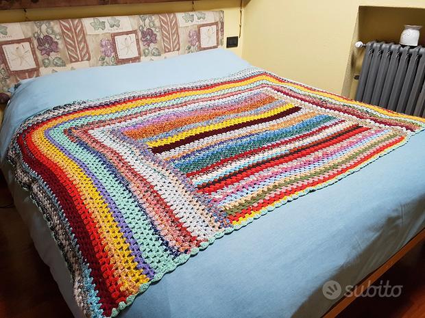 Copriletto fatto a mano in lana
