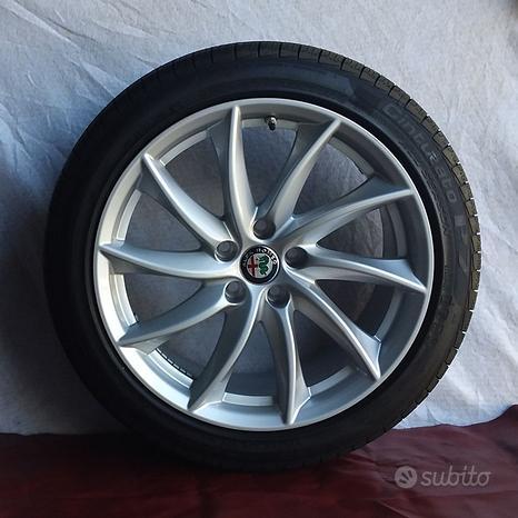Kit cerchi e pneumatici Pirelli Alfa Giulia 18 Sil