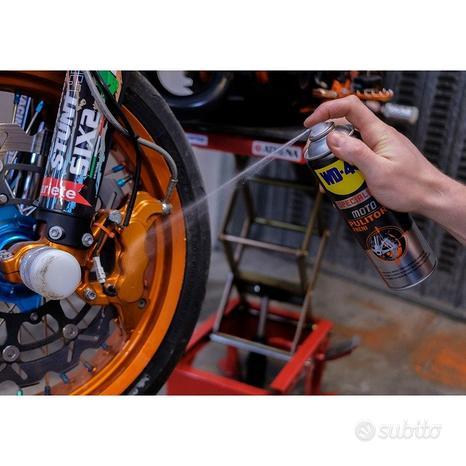 Pulitore freni pinze frizioni moto wd-40 pulisce