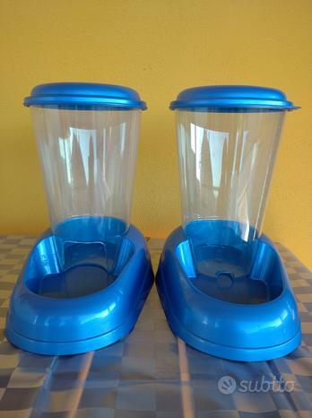 Dispenser cibo e acqua per cani e gatti