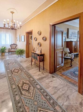 Appartamento a Chioggia, 6 locali