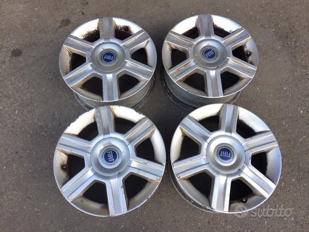 Cerchi in lega Fiat Stilo 2004 15 pollici
