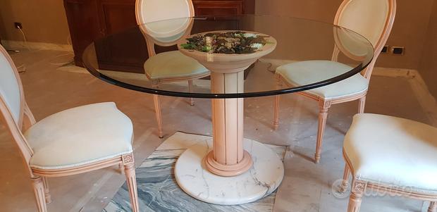 Tavolo in marmo noce nazionale e cristallo sedie