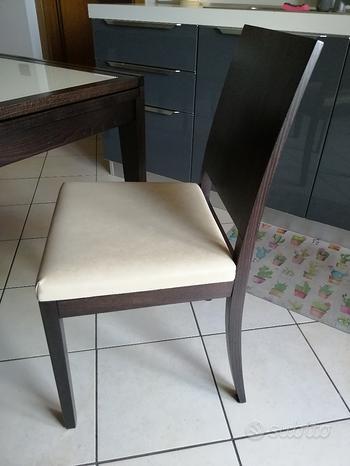Tavolo allungabile e sedie
