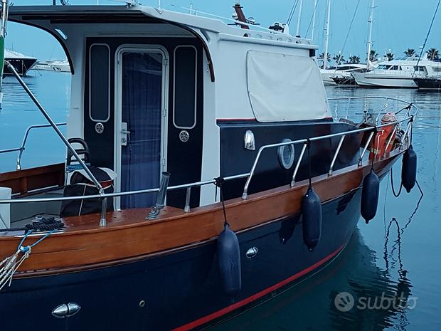 Barca cabinata