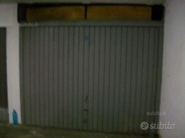 Garage via resia