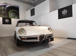 Alfa Romeo Spider 1750 Veloce (tipo 105.57)  ...