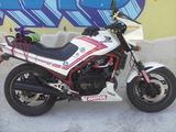 Honda VF 400-500 - 1985