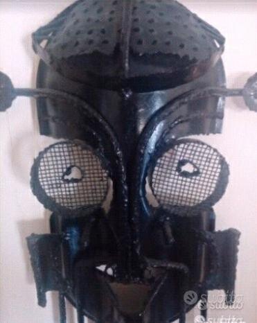 Maschera in ferro battuto