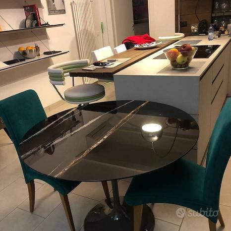 Tavolo tulip rotondo cm.120 nero Picasso pro.poli
