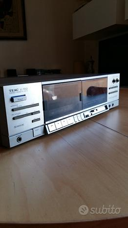 Registratore a cassette TEAC V-700