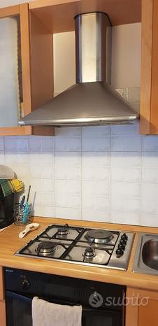 Cucina usata tenuta bene