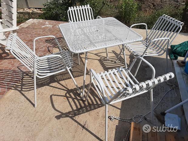 Set tavolo sedie.in.ferro VINTAGE