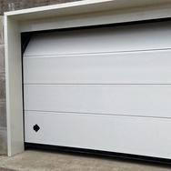 Via Resia , ampio garage - magazzino nuovo